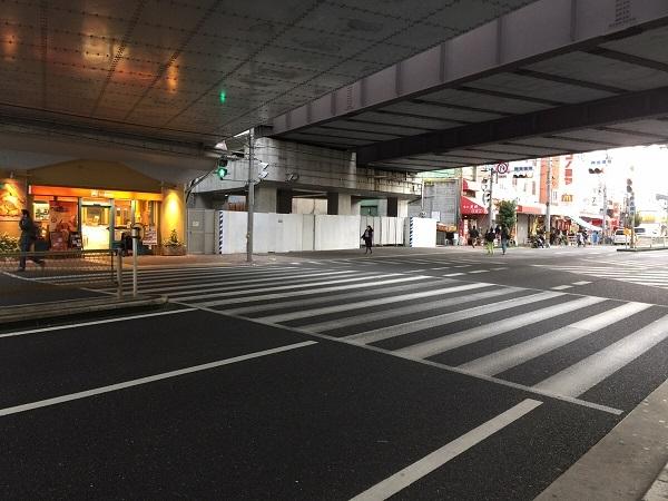 JR鴫野駅出入口前 交差点
