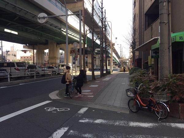 緑橋からファミリーマート中本3丁目店へのルート風景