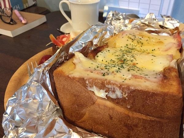 ベーコンエッグチーズトースト③